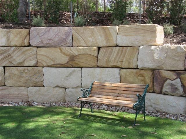 Ландшафтный дизайн из блоков песчаника